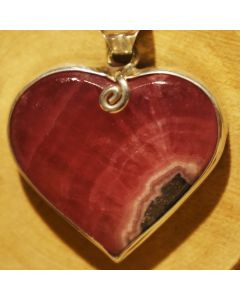 Dije Corazón de Plata 925 con piedra Rodocrosita Ortiz de Catamarca
